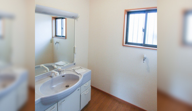 洗面所の窓の位置に注意