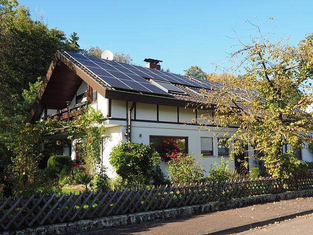 メンテナンス性で屋根の素材を選ぶ